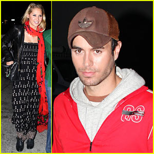 Enrique Iglesias & Anna Kournikova: Burgers and Beer!