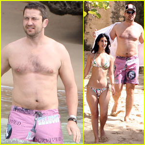 Gerard Butler: Shirtless in Barbados!