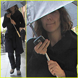 Maggie Gyllenhaal: You Can Stand Under My Umbrella
