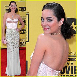 Marion Cotillard - Critics' Choice Awards 2010 Red Carpet