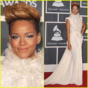 Rihanna - Grammys 2010 Red Carpet