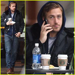 Ryan Gosling is a Starbucks Snacker