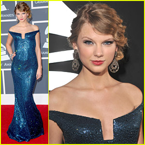 Taylor Swift - Grammys 2010 Red Carpet