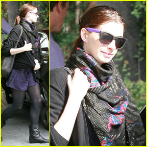 Anne Hathaway: Pretty in Purple