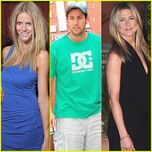 Brooklyn Decker & Jennifer Aniston Just Go With It