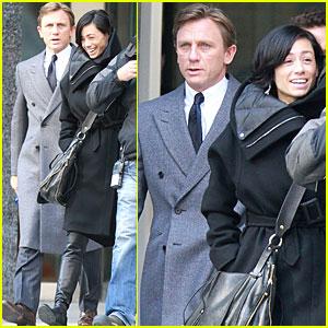 Daniel Craig & Satsuki Mitchell Have a 'Dream House' Day