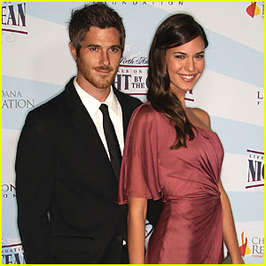 Dave Annable & Odette Yustman: Engaged!