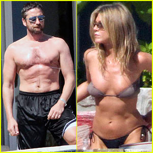 Jennifer Aniston & Gerard Butler Cool Off in Cabo