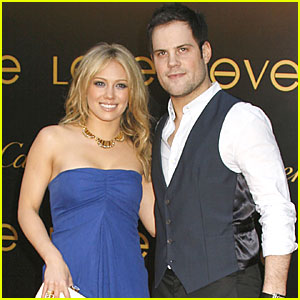Hilary Duff: Engaged to Mike Comrie!