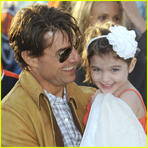 Suri Cruise Is Superbowl Shy