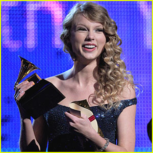 Taylor Swift Wins Album of the Year Grammy For 'Fearless'