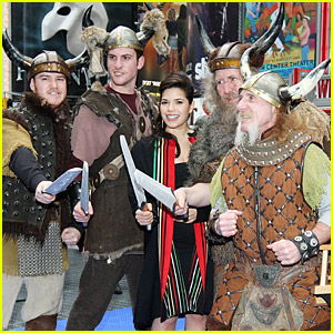 America Ferrera: Viking Ship in Times Square!