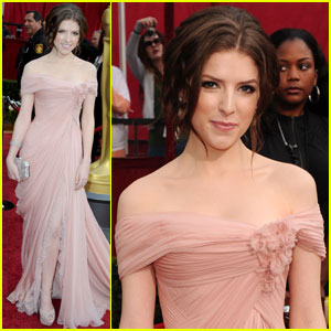 Anna Kendrick -- Oscars 2010 Red Carpet