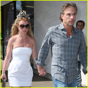 Britney Spears & Jason Trawick: Hand in Hand