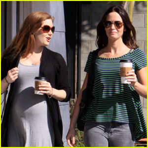 Emily Blunt & Amy Adams: Baby Brew Buddies