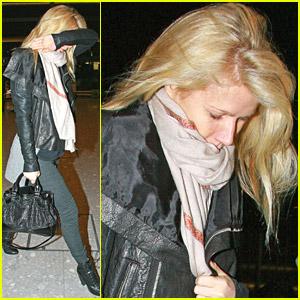 Gwyneth Paltrow Heads To Heathrow