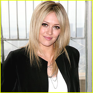 Hilary Duff to Write Young Adult Books