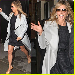 Jennifer Aniston: 'W' Shoot Secrets on GMA!