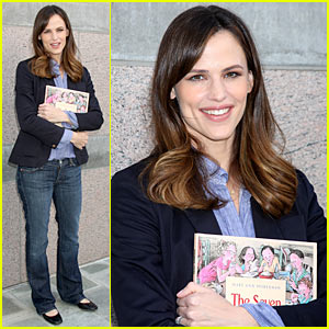 Jennifer Garner Supports Milk + Bookies