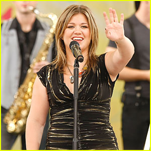 Kelly Clarkson Joins Lilith Fair Lineup