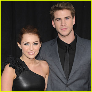 Miley Cyrus & Liam Hemsworth Sing 'The Last Song'