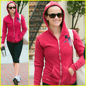Reese Witherspoon: Red Riding Hood!