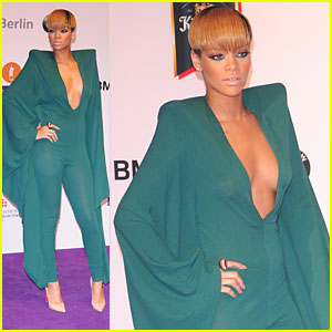 Rihanna: Elegant at the Echo Awards