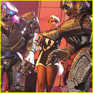 Rihanna Gets Friendly with Robots at the Echo Awards