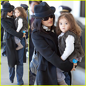Salma Hayek &#038; Valentina Fly The Friendly Skies