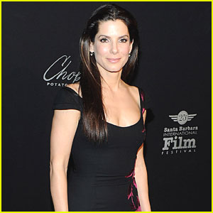Sandra Bullock Accepts Razzie As Promised