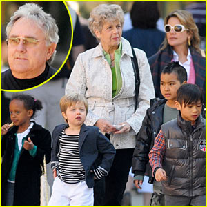 Brad Pitt's Parents: Grandkids Bonding Time!