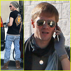 Chad Michael Murray: Gas Station Saturday