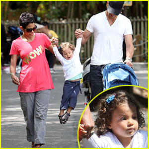Halle Berry & Gabriel Aubry: Zoo Time with Nahla!