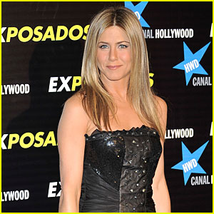 Lolavie: Jennifer Aniston's Perfume Name!
