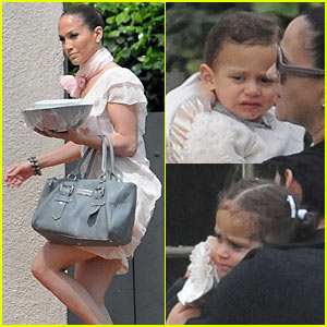 Jennifer Lopez: Easter Sunday with the Twins!