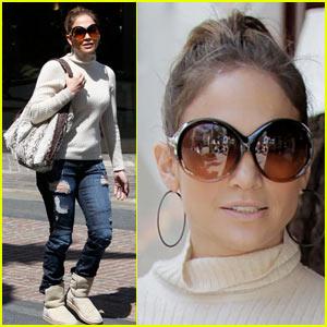 Jennifer Lopez & Leah Remini: Sur La Table Twosome