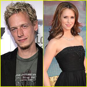 Jennifer Love Hewitt Dating Jenny McCarthy's Ex Josh Asher?