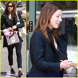 Jessica Biel: Lunch with the Ladies!