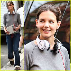 Katie Holmes Puts Beats On For 'No One'