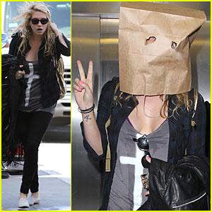 Ke$ha: Paper Bag Head!