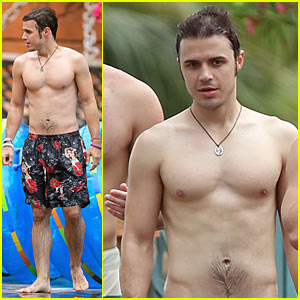 Kris Allen: Shirtless Sexy with Wife Katy!