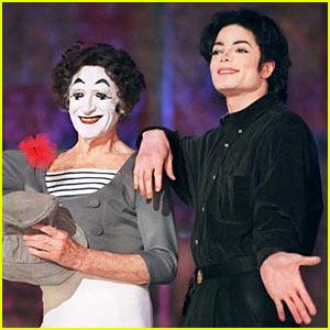 Michael Jackson's Cirque Du Soleil Show Debuts 2011!