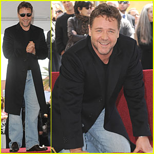 Russell Crowe: Hollywood Walk of Fame Star!