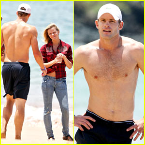 Shirtless Andy Roddick: Beach with Brooklyn!