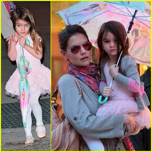 Suri Cruise: Stand Under My Umbrella!