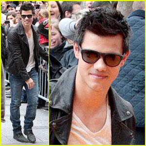 Taylor Lautner: An American Werewolf in Paris
