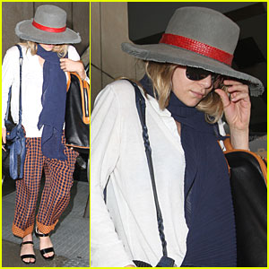 Ashley Olsen: Emergency Flight Landing!