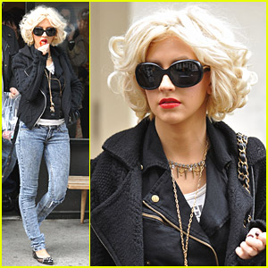 Christina Aguilera: Mother's Day Shopping