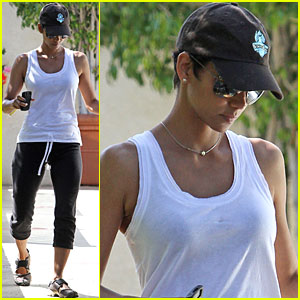 Halle Berry Knows Victoria's Secret