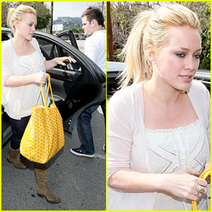 Hilary Duff: Yellow Fever!